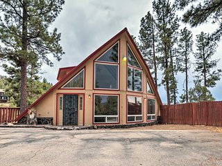 Expansive Retreat w/ Deck Near Downtown Ruidoso!