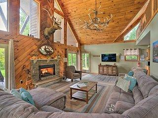 3-Acre Benezette Cabin w/Hot Tub, Grill & Mtn View