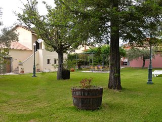 Conveniently located 3 bedroom villa - old mansion- with large garden and pool