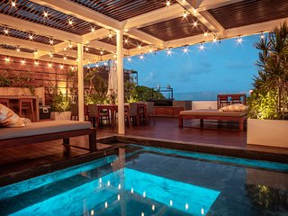 Summer SALE Downtown Villa w/ OCEAN View, Rooftop & Plunge Pool! ~
