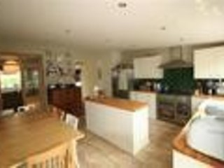 House 3 mins from Hamble Marinas and Bar