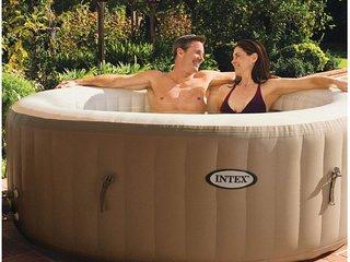 piscina riscaldata con idromassaggio