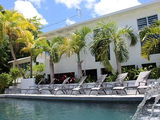 Palm Cottages - Entire Compound - LUSH TROPICAL OASIS