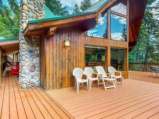 Stunning, dog-friendly lodge with private hot tub!