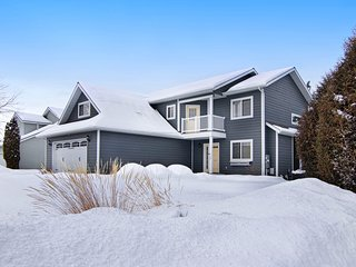 Kali-spellbound - A modern home perfectly located within the Flathead Valley