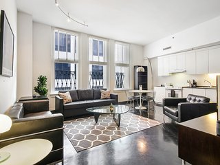 Upscale loft in the Warehouse District!
