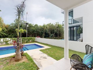 Ground floor home w/ shared pool, hot tub, garden, & terrace in a great location