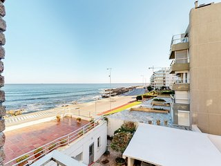 Oceanfront apartment with balcony and nautical decor - outstanding location!