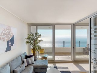 Espacioso depto con vista al mar - Spacious apt with ocean view