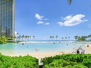 Ocean & Harbor view Waikiki apt w/ covered lanai. Walk everywhere! 30+ night min