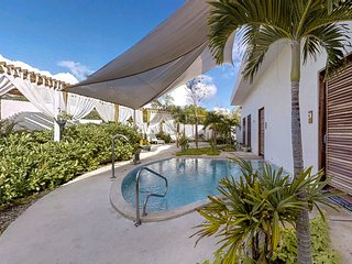 Romantic studio in great location - shared pool, restaurant, gym and spa