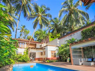 Luxurious 3-bedroom pool villa, 140 m from Arambol Beach /70524