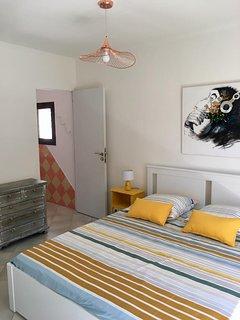 chambre couchage 160*200 avec salle de bains et wc attenants