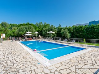 Dassia Villa Sleeps 12 with Pool and Air Con - 5742579