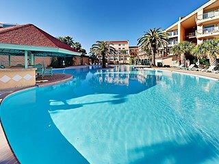 Fall Savings! Beachfront Maravilla Condo w/ 3 Pools, Hot Tub & Gulf Views!