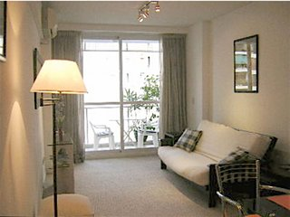 B43 Quiet and bright apartment with balcony in a modern building with pool, gimn