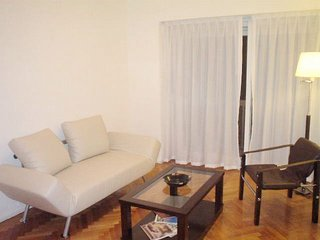 B150 Modern apartment in Plaza San Martin neighbourhood buenos aires vacation re