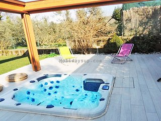 Pretty apartment with jacuzzi/garden sorrentocoast