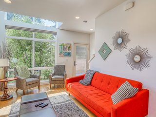 Modern home in heart of wonderful Fremont neighborhood!
