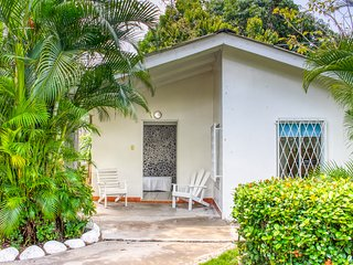 Colorful getaway w/ shared pool/gardens & a great beachfront location!