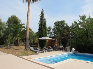 Bagnols-en-Foret Holiday Home Sleeps 8 with Pool Air Con and Free WiFi - 5714851