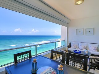 Beachfront Apt with beautiful view and decor