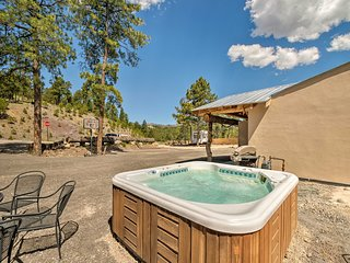'Hillbilly Haven' Ruidoso Home w/ Game Room & Yard