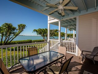 Duck Key Darling 2bed/2bath townhouse with open water views & cabana club
