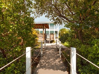 Bonefish House 3bed/4bath, pool, dock