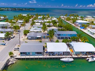 Reel Therapy 2&4 -2bed/2bath updated full duplex w/40`dockage & Trailer Parking