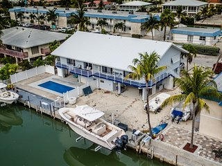 Angler's Dream 2bed/2bath half duplex with private pool & dockage