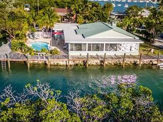 The Key Lime House 4bed/3bath with pool & dockage