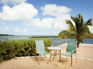 Palm Point 2bed/2bath open water views