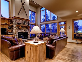 His High Place: Private Hot Tub, Beautiful Views, Ski Area Access, Shuttle