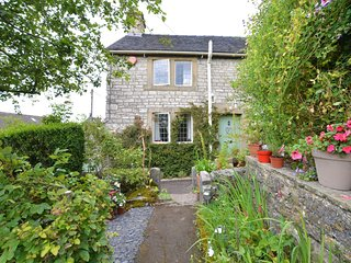 75637 Cottage situated in Hartington