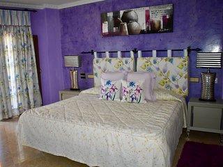 Private suite room with private bathroom: La Hornilla