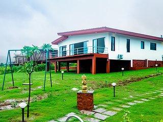 Shivom Villa 4 by Vista Rooms