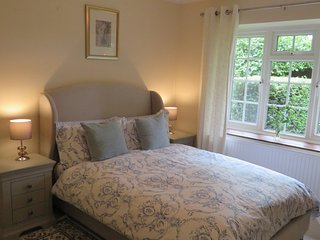 Wood Lodge Cottage -  Hot Tub & Self-Catering, Great Braxted