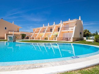 LUXURY TOWNHOUSE STUNNING SEA VIEW, AIR COND, SWIMMING POOL AND FREE Wi-Fi