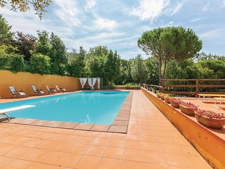 Stunning home in Chianni w/ WiFi, Outdoor swimming pool and 6 Bedrooms