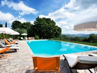 La Bruna di Spoleto Chateau Sleeps 30 with Pool and Air Con - 5810247