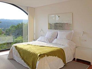 Os Anxeles Villa Sleeps 8 with Pool - 5810488