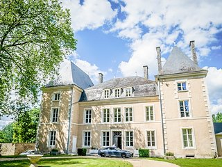 25 bedroom Chateau with Pool, Air Con and WiFi - 5364702