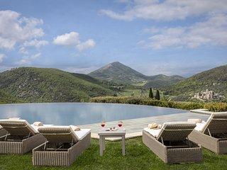 Palazzo Guglielmi Villa Sleeps 18 with Pool Air Con and WiFi - 5763168
