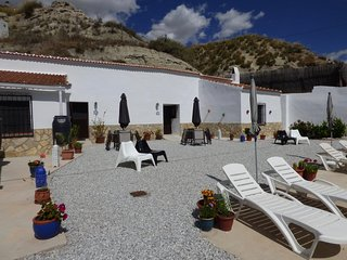 Holiday Cave House with Beautiful Views - Cueva Lince
