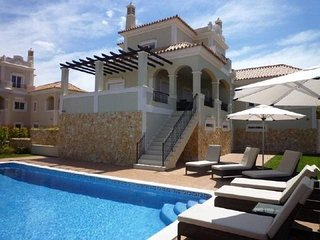 6 bedroom Villa with Pool and Air Con - 5620922