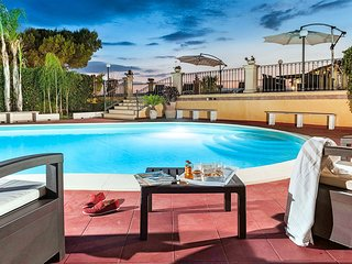4 bedroom Villa with Pool, Air Con and WiFi - 5810511
