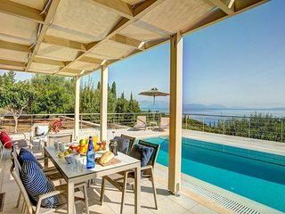 Fiskardo Villa Sleeps 4 with Pool Air Con and WiFi - 5604832