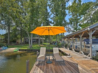NEW! Lake Sinclair Waterfront Home w/Fire Pit+Dock