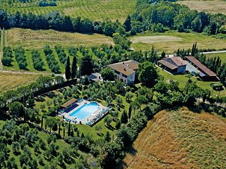 Apartment in Farmhouse (Viola 2+2) province of Pisa, Volterra, San Gimignano